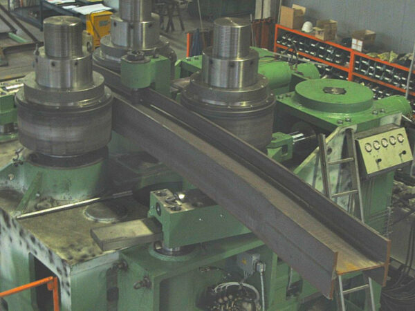COMAC - SERIE 3000 - MODEL 315 - Section and Profile Rolling Machine